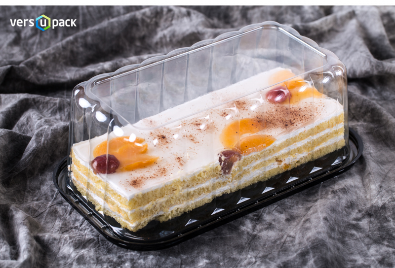 Plastic display cake carrier. Compostable cake and tart containers.