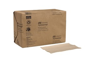 Eco-friendly dispenser napkins made of 100% recyclable paper.