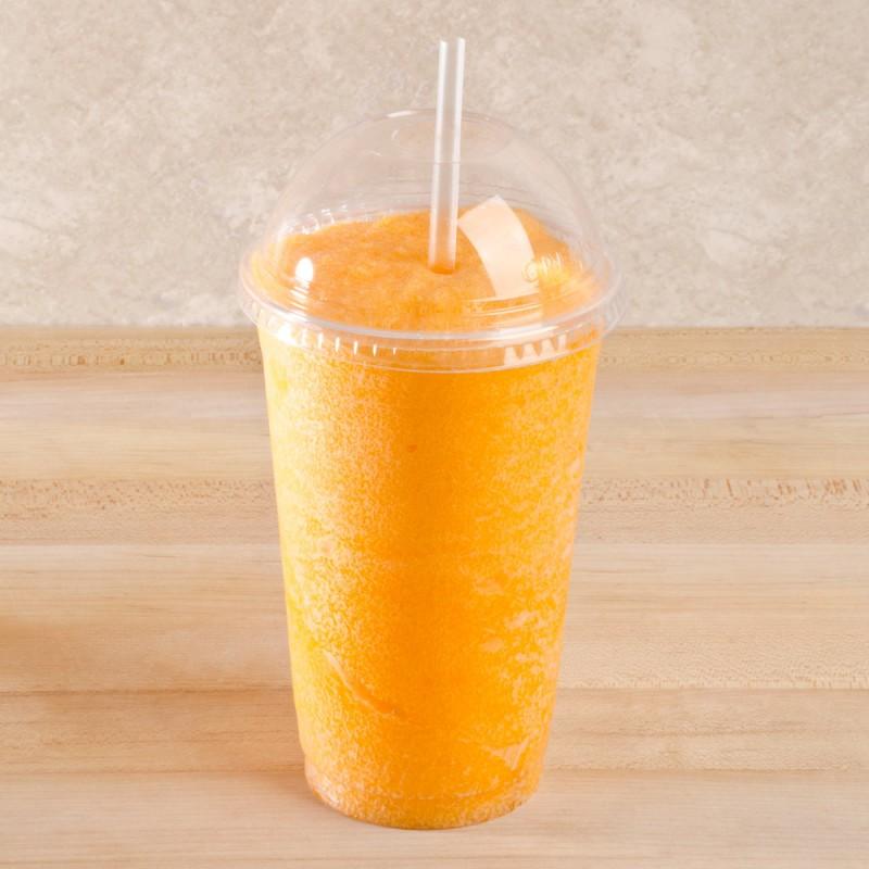 Одноразовые стаканы для холодных напитков и смузи, купольные крышки и соломка.